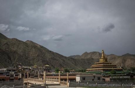 """Tu viện 300 tuổi chứa bí ẩn của """"Phật sống Tây Tạng"""""""