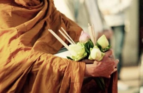Suy nghiệm lời Phật: Không dính mắc