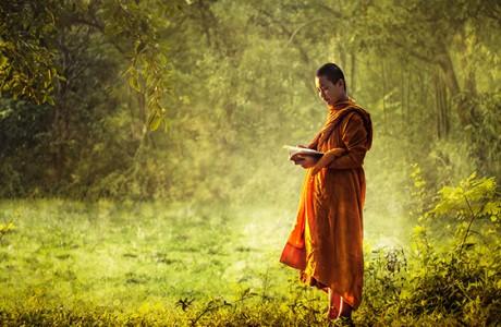 Vì sao Thần Phật quở trách người tốt mắc lỗi nhưng không trừng phạt kẻ xấu hành ác?